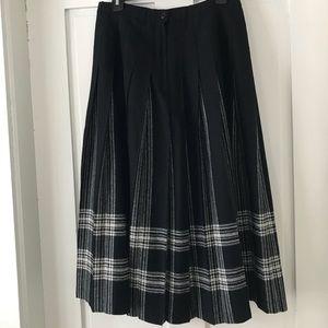Pendleton pleat black & white wool skirt size 12